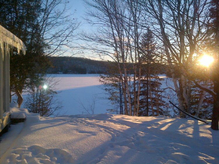 Cottage-winter-sunrise-Huntsville-Susan-Brown