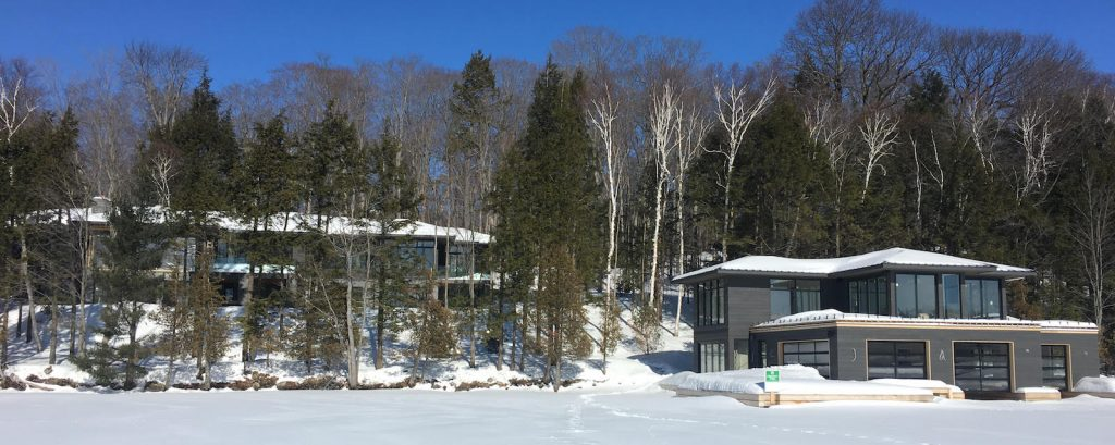 Cottage for sale luxury Lake Joseph