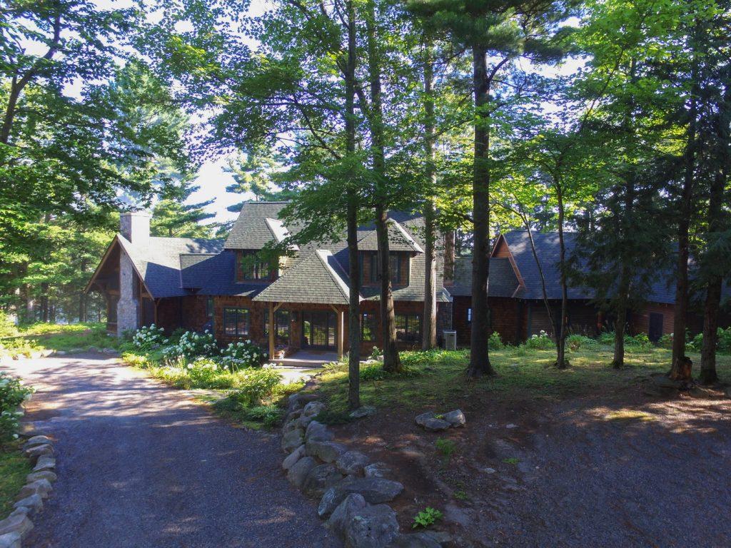 Lake Joseph cottage